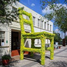 mark reigelman positions massive nest chair in monterrey, mexico - designboom | architecture