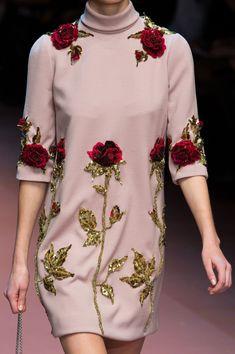 Dolce & Gabbana at Milan Fall 2015 (Details)