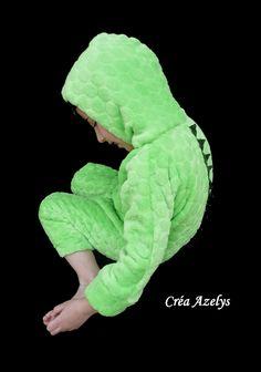 Un Cro deux Cros c'est un crocodile Couture Sewing, Crocodile, Dinosaur Stuffed Animal, Blog, World Animals, Pajamas, Fashion Styles, Children, Bricolage