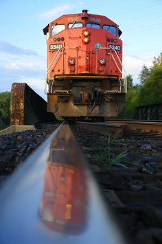 Engine 5540 reflection on rail... beauty .. this is a must click to see larger photo...