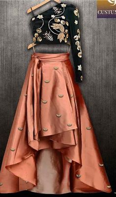 Indo Western looks Indian Wedding Outfits, Bridal Outfits, Indian Outfits, Designer Party Wear Dresses, Indian Designer Outfits, Indian Designers, Choli Designs, Lehenga Designs, Look Fashion
