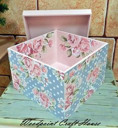 Wood painting, Hand made, Decoupage, Decoupage Vintage, Napkin Decoupage, Decoupage Box, Tole Painting Patterns, Pretty Box, Altered Boxes, Diy Box, Vintage Wood, Painting On Wood