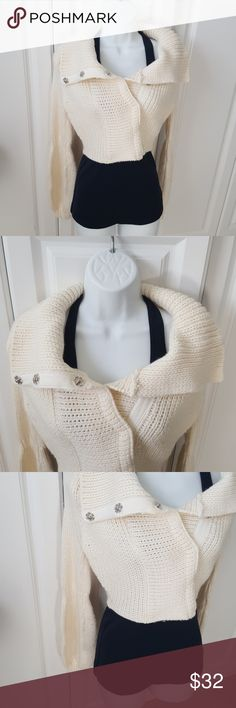 Arden B crop sweater Thick weave Arden B sweater. Size small. Arden B Sweaters