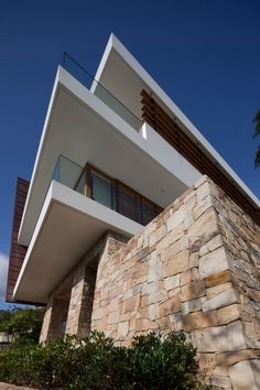 Chinaman's Beach House, Fox Johnston, Sydney, copper and sandstone House Cladding, Facade House, House Exteriors, Arch House, House Front, White Exterior Houses, Modern Farmhouse Exterior, Sandstone Cladding, Sandstone Wall