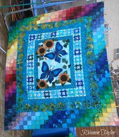 Love this quilt!  I want to make one like it!  The Nifty Stitcher: Quilts