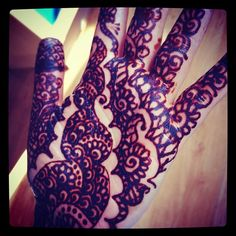 Applying a variety of henna designs having floral, Arabic, and combo of Indian and Pakistani mehndi designs has got enormous fame and is considered .