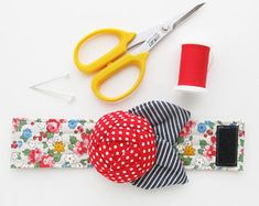 Bracelet Pin Cushion Cuff | Wrist band flower pincushion makes a great seamstress gift or present for quilter or anyone who loves to sew!