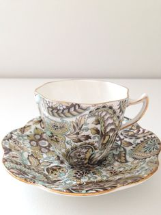Vintage Lefton China Paisley tasse à thé et soucoupe Tea Party Cottage Style Merci ou Inspiration de cadeau de pendaison de crémaillère