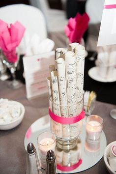 Do you both love music? Then why not choose this passion as your wedding theme? Music touches will make your wedding sound and look amazing – just have a look!