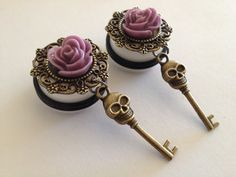 I do not plan on needing gauges but I'd love to make some jewelry with the same theme/colors as this. Ear Jewelry, Cute Jewelry, Body Jewelry, Beaded Jewelry, Jewelery, Unique Jewelry, Tapers And Plugs, Fake Plugs, Ear Gauges