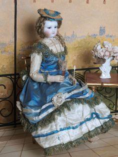 Parisienne tête et buste en biscuit, 1860