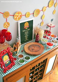 So erhalten Sie zu Hause: Pizza Night – Event Ideas - Pizza Party Birthday, Birthday Party Themes, Italy Party, Italian Theme, Chef Party, Pizza Day, Bowling Party, Thinking Day, Valentines Day Party