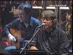 Fabrizio De André in concerto 1998 Roma Teatro Brancaccio - YouTube