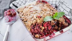 Apple and Berry Crumble | Good Chef Bad Chef