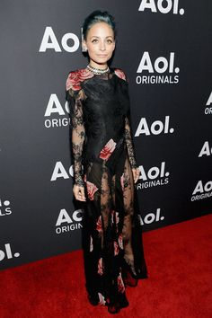 Nicole Richie Photos - Television personality Nicole Richie attends the AOL Originals Fall Premiere Event at Palihouse Holloway on October 2014 in West Hollywood, California. Black Lace Gown, Floral Lace Dress, Celebrity Red Carpet, Celebrity Style, Nice Dresses, Dresses For Work, Nicole Richie, Contemporary Fashion, Red Carpet Fashion