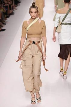 10 Spring Fashion Trends That Elevate Your Style Fashion Week 2018, Spring Fashion Trends, Spring Trends, Milan Fashion, Sports Illustrated, Karl Lagerfeld, Best Cargo Pants, Gigi Hadid Runway, Streetwear