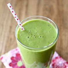 Pineapple Mango Green Smoothie #drinks