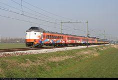 Nederlandse Spoorwegen ICM 4200 at Moordrecht, Netherlands by Marco Schuilenburg