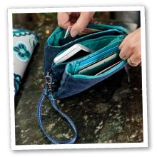 Love my Vary You Wristlet.  New colors for Fall!!  This is one item I can't do without -- and you'll love it too.