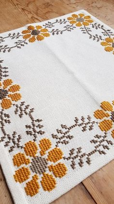 Beautiful floral/autumn cross stitch embroidered tablecloth in white linen from Sweden Beautiful floral/autumn cross stitch embroidered tablecloth in Cross Stitch Borders, Cross Stitch Flowers, Cross Stitch Designs, Cross Stitching, Cross Stitch Embroidery, Cross Stitch Patterns, Loom Patterns, Hand Embroidery Patterns, Embroidery Designs