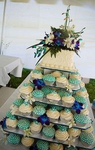Peacock Wedding Cake and Cupcakes.