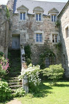 Abbaye de Beauport, Bretagne. A lovely place with beautiful gardens, overlooking the sea