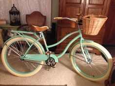My Huffy mint green beach cruiser bike. I replaced the small silver basket it comes with with a wicker one. Beach Cruiser Bikes, Cruiser Bicycle, Velo Vintage, Vintage Bicycles, Skates, Motos Vespa, Retro Bike, Cycling Bikes, Motorcycle Bike