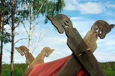 Viking tent closeup | Flickr - Photo Sharing! Viking Bed, Viking House, Viking Garb, House Tent, Bed Tent, Weird Art, Dark Ages, Drake, Wood Crafts