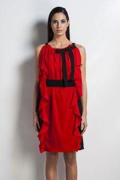 Vestido vermelho e preto. SiempreEsViernes