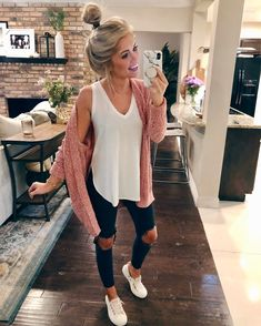Love the style of that tank top winter outfits women, cute outfits for winter, Winter Outfits For School, Cute Fall Outfits, Winter Outfits Women, Winter Fashion Outfits, Look Fashion, Autumn Winter Fashion, Spring Outfits, Trendy Outfits, Ladies Outfits