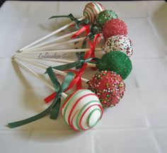 Weihnachten Cake Pops von erica Maureen and Miriam turns 6 Christmas Cake Pops, Christmas Sweets, Noel Christmas, Christmas Goodies, Christmas Baking, Christmas Gifts, Christmas Ornament, Holiday Cakes, Holiday Desserts
