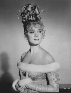 """Yvette Mimieux - """"The Wonderful World of The Brothers Grimm"""" - Costume designer : Mary Wills Hooray For Hollywood, Golden Age Of Hollywood, Vintage Hollywood, Classic Hollywood, Sue Lyon, Joey Heatherton, Yvette Mimieux, Turner Classic Movies, Old Movie Stars"""