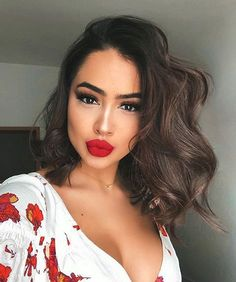 Trendy Makeup Looks With Red Lipstick For You; Stunning Makeup Looks; Red Makup Looks; Makeup Trends, Makeup Inspo, Makeup Inspiration, Makeup Tips, Beauty Makeup, Hair Beauty, Makeup Ideas, Beauty Style, Red Lips Makeup Look