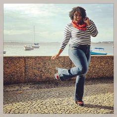 Simbora, menina! Faça da sua Segunda, um dia de Primeira! 😄💪🏾😘 #PlusSize #PlusSizeModel #PlusSizeJeans #PlusSizeBeauties #PlusModelMAG #PlusModel #PlusSizePower #PlusSizeFashion #Plus #Curvy #CurvyGirl #Curvspiration #CelebrateMySize #Curly #CurlyGirl #Cachos #Cacheada  #MorenoLook #MuackBeijoDaPreta 💋 ▶️Quer saber de onde são as peças que estou usando?! É só clicar na tela! 👆🏾😉