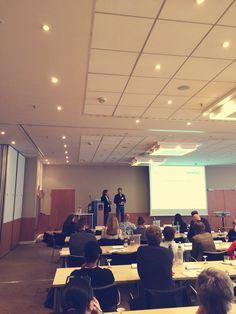 Der Vortrag von Thomas Bünten und Tim Hacken von timtomtext stand ganz im Zeichen von Storytelling. #SMDAC13 #Aachen