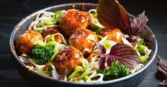 The freshness of the noodle salad is a great pairing with delicious turkey meatballs, where tangy rice wine vinegar balances the sweetness of honey in the sauce.