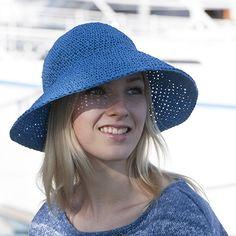 OHJE: Virkattu lierihattu. Raffia hat by Marja Rautiainen for Lankava Oy. http://www.lankava.fi/WebRoot/esito/Shops/esito/MediaGallery/OHJEET/2015/Virkattu_lierihattu.pdf