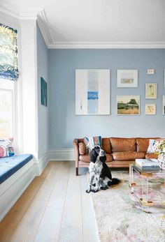 In this Victorian revamp, soft sorbet shades set a calm palette – then a host of brilliantly wayward finishing touches stir things up. Victorian Terrace House, Victorian Living Room, Modern Victorian, Urban Interior Design, Rustic Closet, Pastel Room, Living Comedor, Country House Interior, Quirky Home Decor