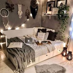 shed landscaping shed landscaping Dorm Room Decor Ideas art Barn decor Design house landscaping Raised Shed Bedroom Decor For Teen Girls, Room Ideas Bedroom, Small Room Bedroom, Bedroom Ideas For Small Rooms For Teens, Cozy Teen Bedroom, Cozy Small Bedroom Decor, Gray Room Decor, Decorating Small Bedrooms, Couple Bedroom