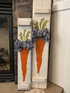 Easter Projects, Easter Ideas, Easter Crafts, Holiday Themes, Holiday Crafts, Peter Cottontail, Diy Easter Decorations, Hoppy Easter, Porch Signs