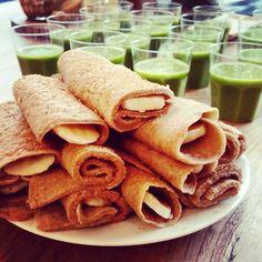 cinnamon pancakes , no egg Banana Pancakes, Healthy Snacks, Breakfast Recipes, Vegan Recipes, Clean Eating, Good Food, Favorite Recipes, Lunch, Ethnic Recipes