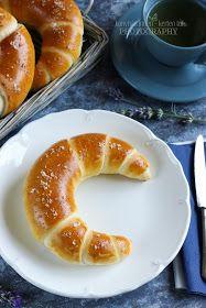 ...konyhán innen - kerten túl...: Vajas kifli Pan Dulce, Bread Baking, Scones, Doughnut, Croissant, Bakery, Rolls, Food And Drink, Cooking Recipes