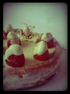 Cheesecake de chocolate blanco y fresas