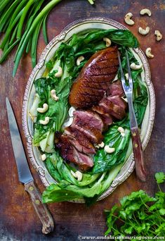 This Asian marinated and roasted goose breast is such a treat! And hey, on the blog the perfect wine pairing for this too!