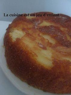 Gateau renversé au yaourt et aux pommes Apple Pie Cake, French Desserts, Sweets Cake, Apple Recipes, Junk Food, Easy Meals, Food And Drink, Treats, Snacks