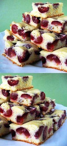 У этого пирога есть одно волшебное свойство, как у всех десертов с ягодами – он здорово пробуждает аппетит!