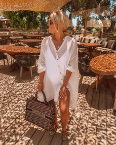 10 of the Best Vacation Style Tips from - LikeToKnowIt Jamaica Outfits, Ibiza Outfits, Beach Vacation Outfits, Honeymoon Outfits, Fashion Outfits, Vacation Style, Fashion Hacks, Fashion Belts, Vacation Dresses