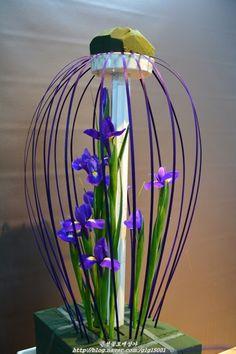 Creative Flower Arrangements, Church Flower Arrangements, Church Flowers, Beautiful Flower Arrangements, Floral Arrangements, Beautiful Flowers, Altar Decorations, Flower Decorations, Flowers For You