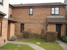 3 Bedroom, Eaton Close, great location £75,500, joined ownership
