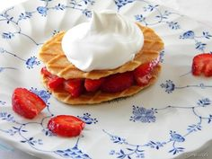 Mock strawberry shortcake using Belgian Waffle Butter Crisp biscuits via @carolyn garris {homework} #coolwhip